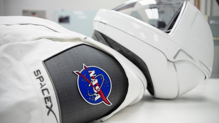Uniforme usado por astronautas em missão - Discovery