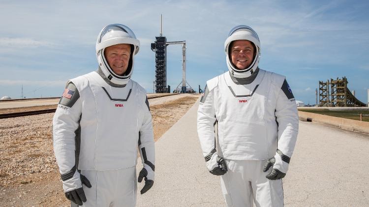 Doug Hurley e Bob Behnken em roupas desenhadas pela SpaceX - Nasa / Kim Shiflett