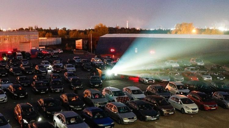 Nos cinemas fechados, o drive-in é novamente uma opção para os americanos - Getty Images