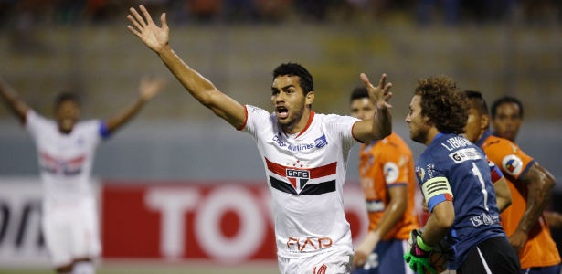 O gol cancelado e as amígdalas interferem, e Kardec vê como Calleri ganha espaço - 11.11.2016