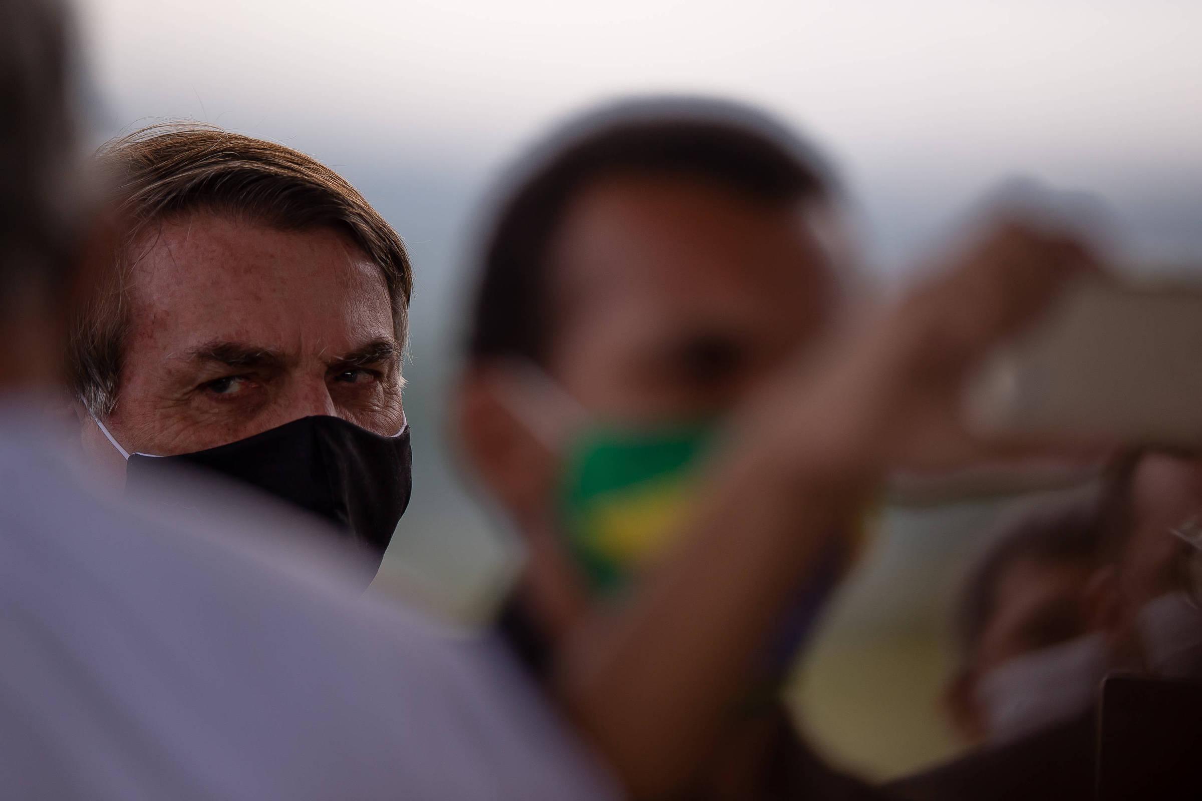 Após evidências de altos gastos, o governo Bolsonaro se atrasa com dados do cartão corporativo - 2/6/2020 - Poder
