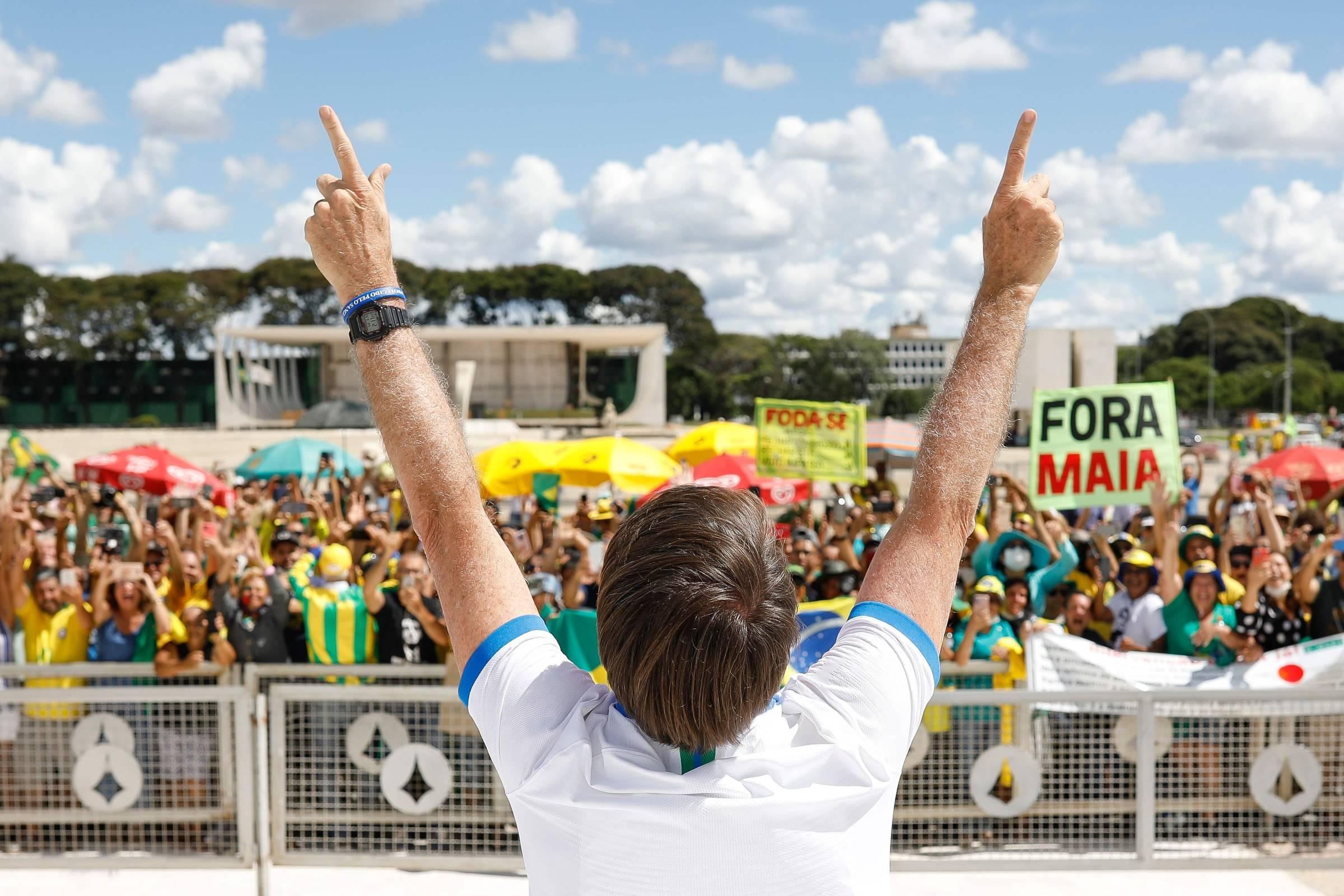 Após pressão de Bolsonar, Pazuello libera funcionários que assinaram nota sobre saúde da mulher - 06/05/2020 - Painel