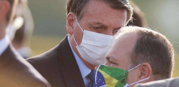 Bolsonaro elogia Pazuella e não considera médico na área de saúde: 'ele não é gerente' - 25.06.2020.