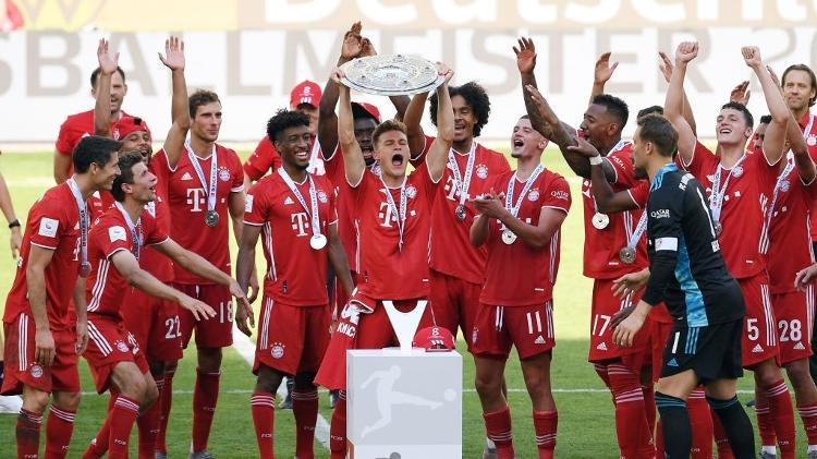 Lewandowski marca e Bayern lança Wolfsburg