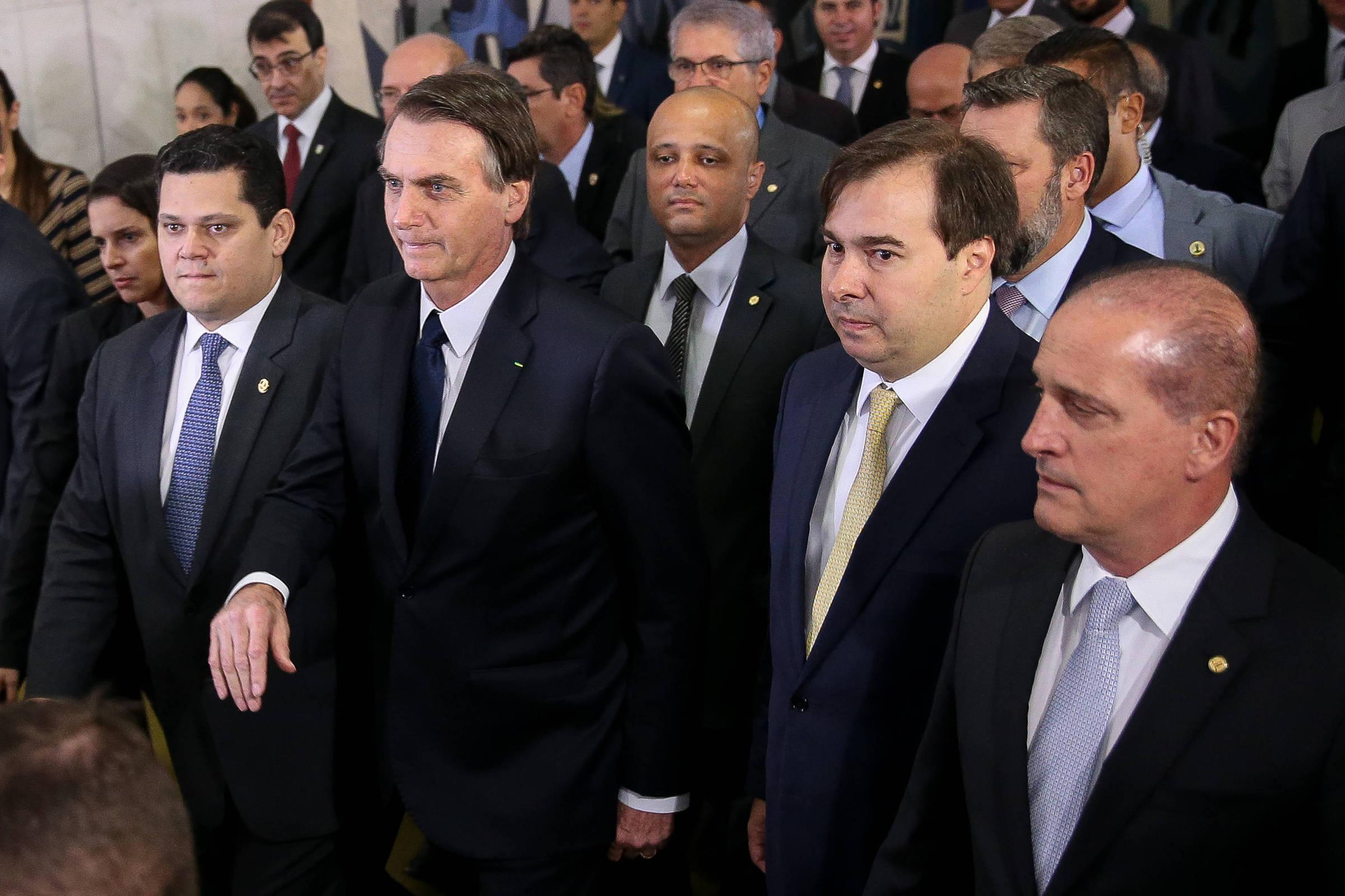 O coronavírus aumenta o fosso das pensões e ameaça atrasar o efeito da reforma - 07.07.2020. - Mercado