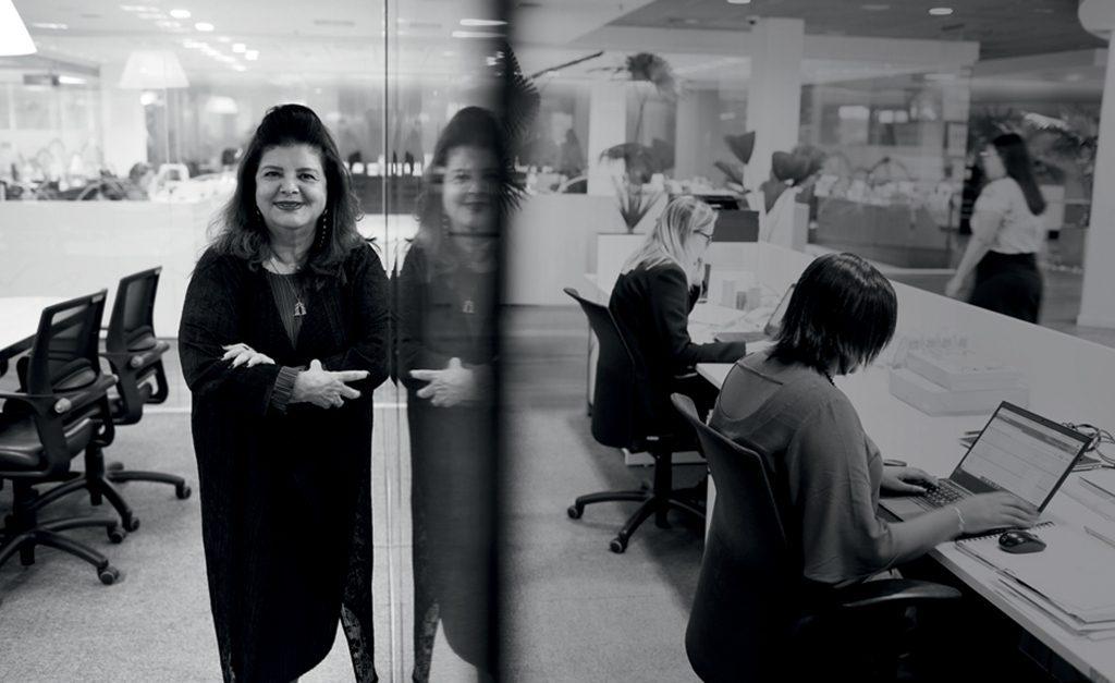 O sucesso online de Luiza coloca Louise Helena Traiano no topo da lista de mulheres mais ricas do Brasil - Notas - Glamour