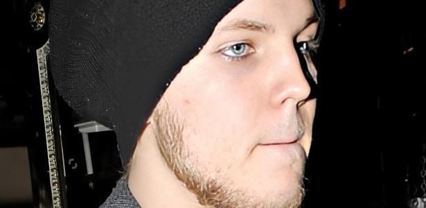 Dentro de Elvis Presley, ele foi encontrado morto; o suspeito cometeu suicídio, de acordo com o site - 07/12/2020