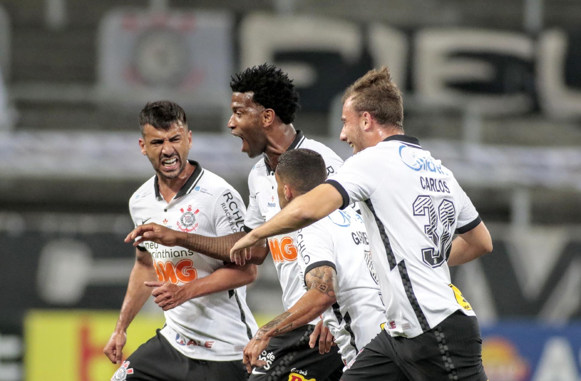 Gil comemora gol pelo Corinthians contra o Palmeiras - Rodrigo Coca / Agência Corinthians