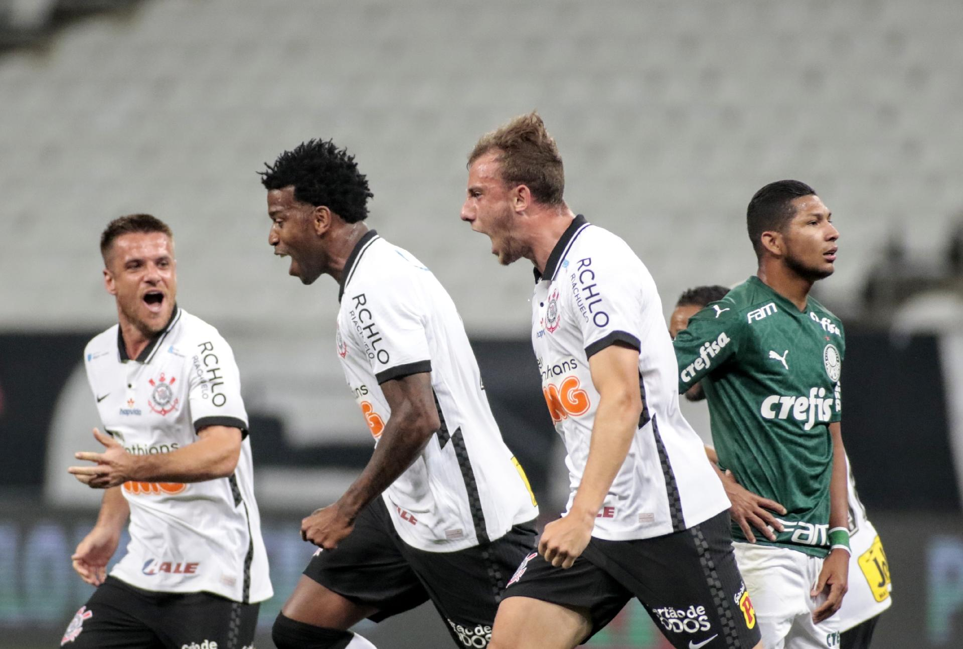 Gil do Corinthians comemora gol contra o Palmeiras - Rodrigo Coca / Agência Corinthians