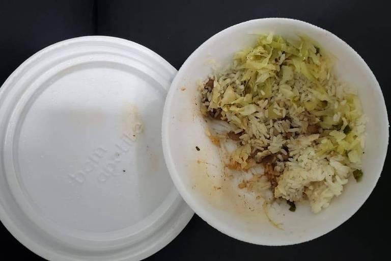 A polícia está investigando se a comida na qual os sem-teto foram mortos na grande São Paulo foi envenenada em um posto de gasolina em 24 de julho de 2020. - São Paulo