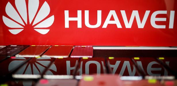 """China diz que EUA comete """"ampla discriminação racial"""" contra a Huawei - 16/07/2020"""