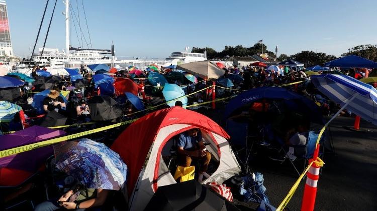 Fãs acampam em uma fileira para tentar garantir uma vaga nos conselhos da Marvel e da DC na Comic-Con de San Diego - Mario Anzuoni / Reuters - Mario Anzuoni / Reuters