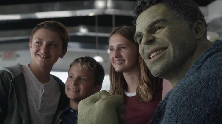 Mark Ruffalo como o Hulk na cena 'Vingadores: Ultimato' - Play - play