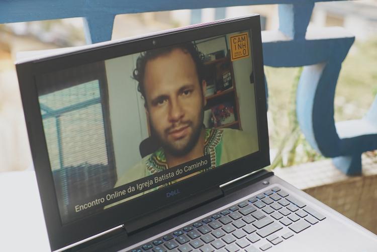 Pastor Henrique Vieira A Internet também dá visibilidade a outros segmentos evangélicos que defendem a democracia e os direitos humanos - André Nery / UOL - André Nery / UOL